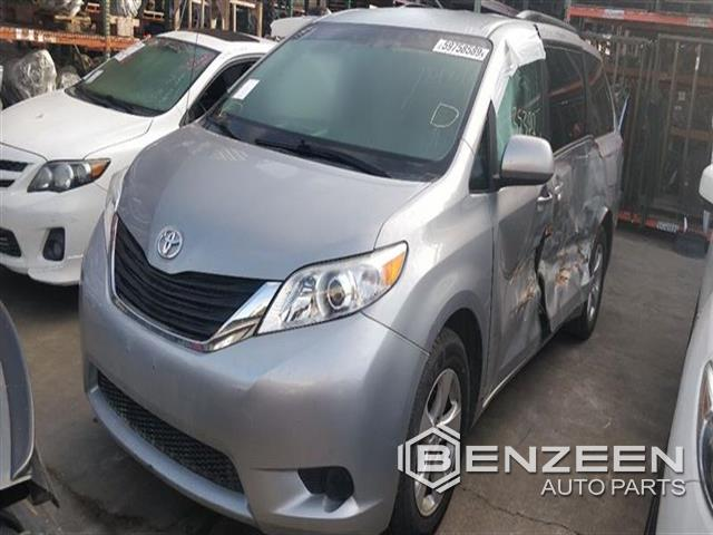Used 2014 Toyota Sienna Car For Parts Only For Parts